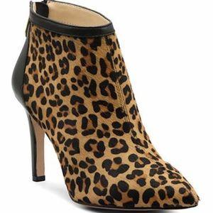 Adrienne Vittadini women's Nyla booties